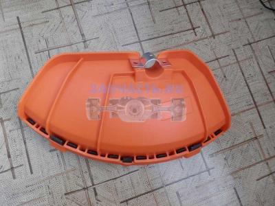Кожух защитный лески/ножa мотокосы GBC-043/052/062 (крепление-полукруг металл), с крепежом