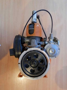 Двигатель Бензопила Дружба со стартером